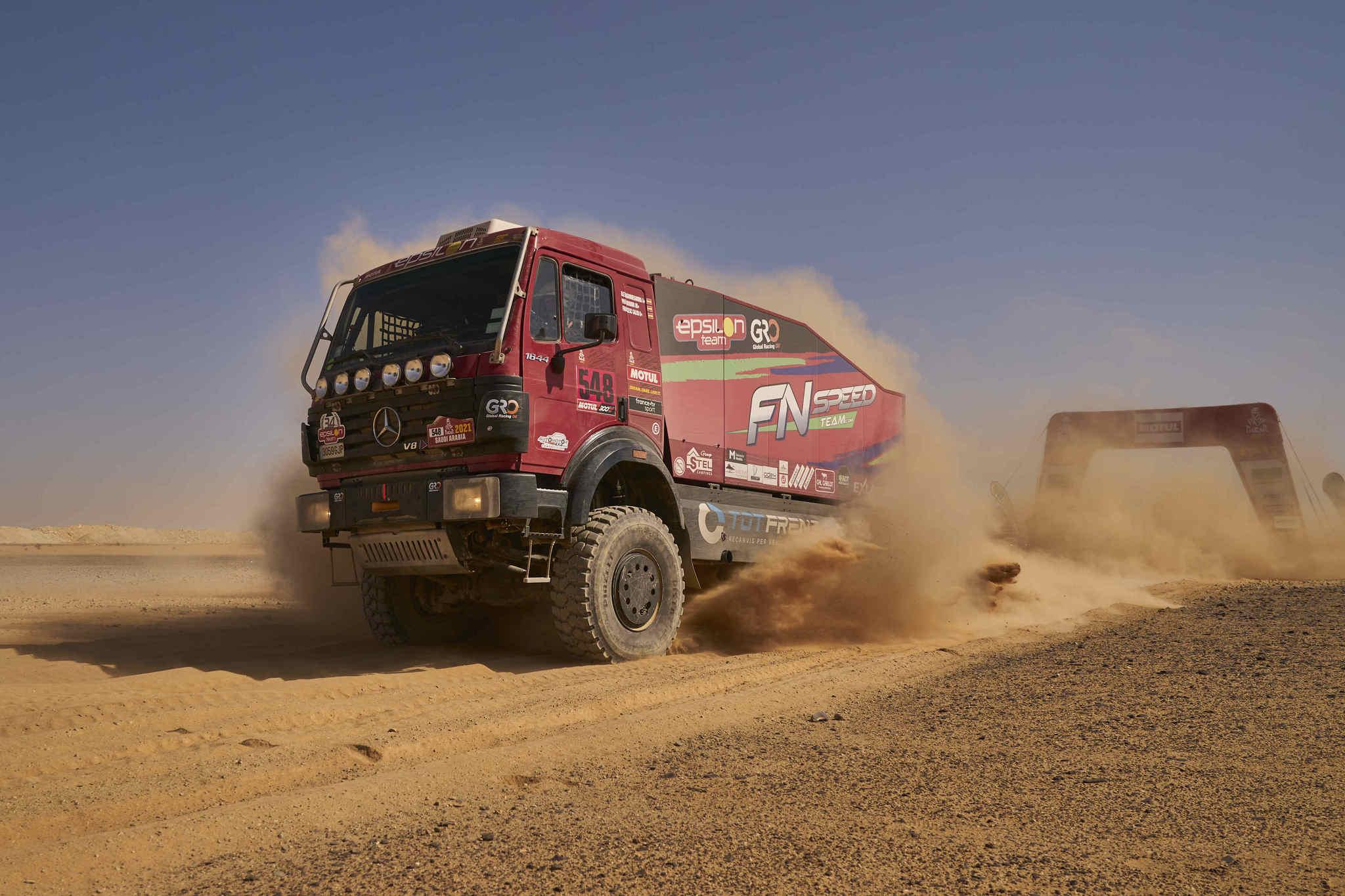 El camión de FN Speed sigue en carrera.