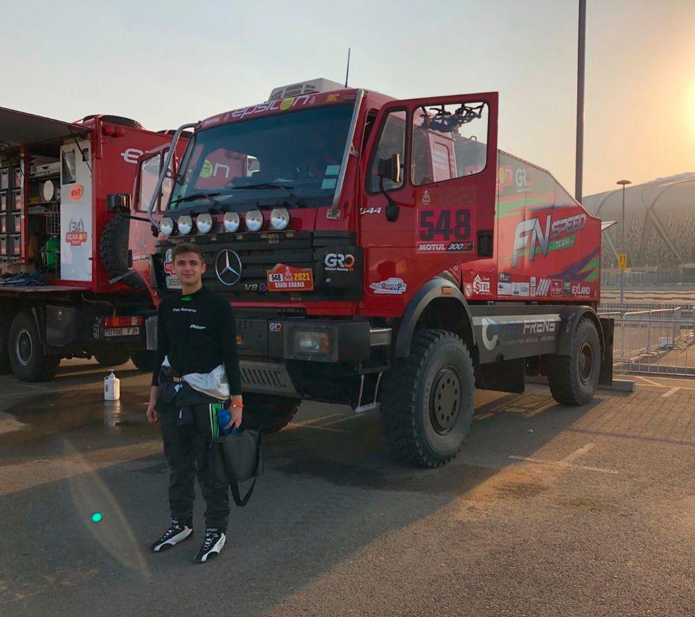 Con sólo 16 años, Pau Navarro está viviendo la aventura más grande del mundo del motor.