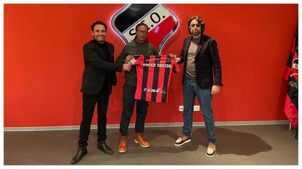 Edgar Davids sent off on debut as Olhanense boss