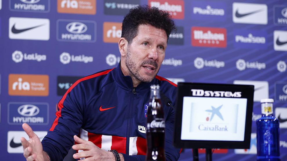 Simeone in a press conference
