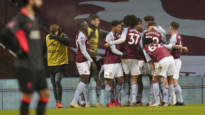 Aston Villa celebrate goal against Liverpool in the FA Cup.