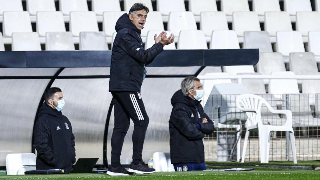 Pepe Aguilar durante un partido esta temporada.