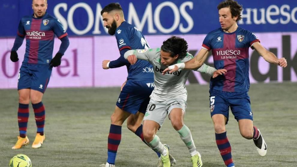 Diego Laínez intenta irse de Siovas y Mosquera.