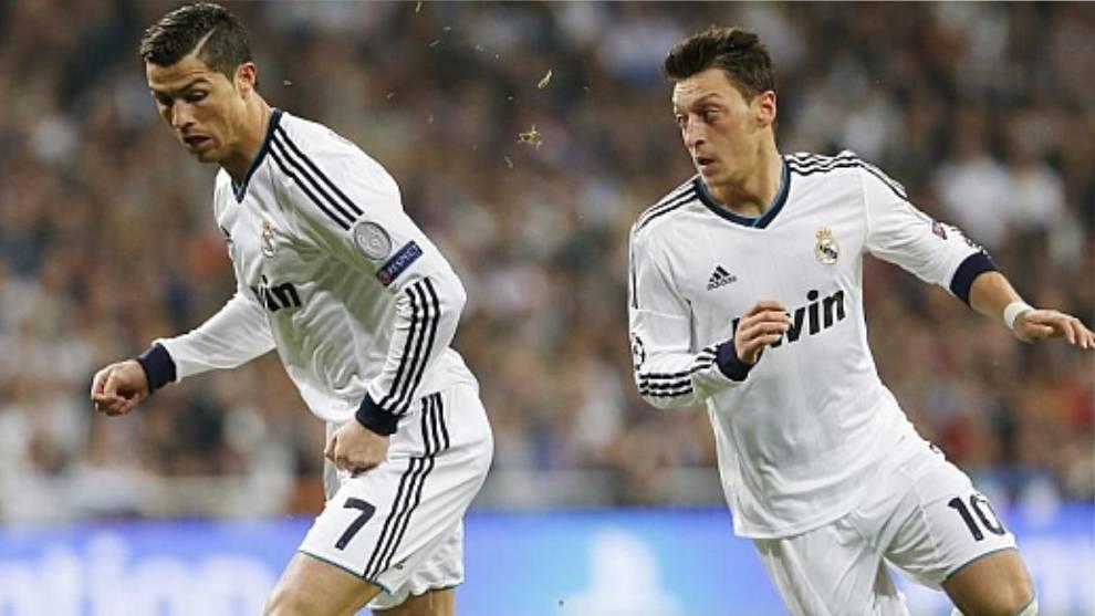 Cristiano Ronaldo y Mesut Özil compartieron vestuario en el Real...