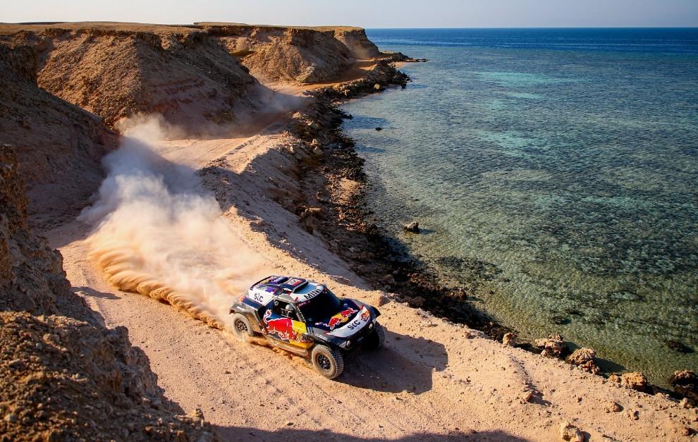Peterhansel ha dado  un paso de gigante en el Dakar 2021.