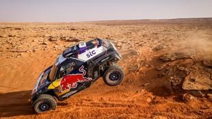 Al-Attiyah se deja medio Dakar y Sainz se despide