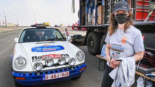 Amy Lerner corre el Dakar con su propio coche, el admirado Porsche 911 SC