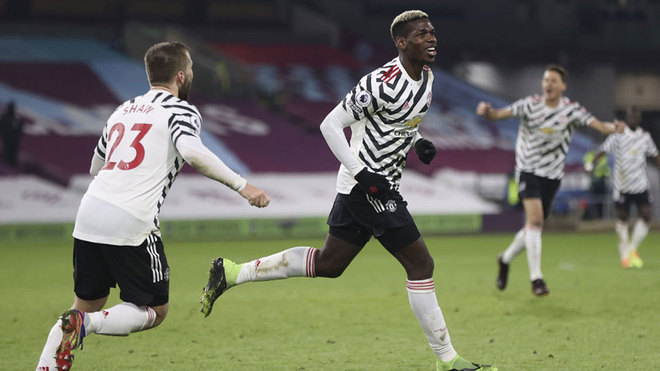 Pogba celebrates his winner at Burnley.