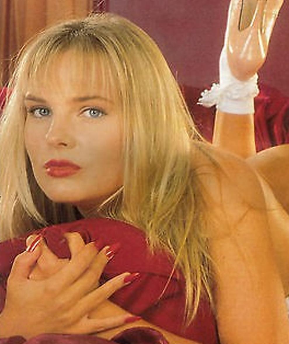 Emma Benton-Hughes, que fue actriz y directora de cine porno como Eve...