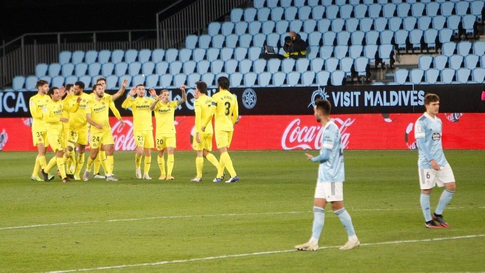 Celebración de los jugadores del Villarreal tras un gol en Balaídos....