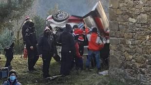 Aparatoso accidente de Ogier durante un test en Francia.