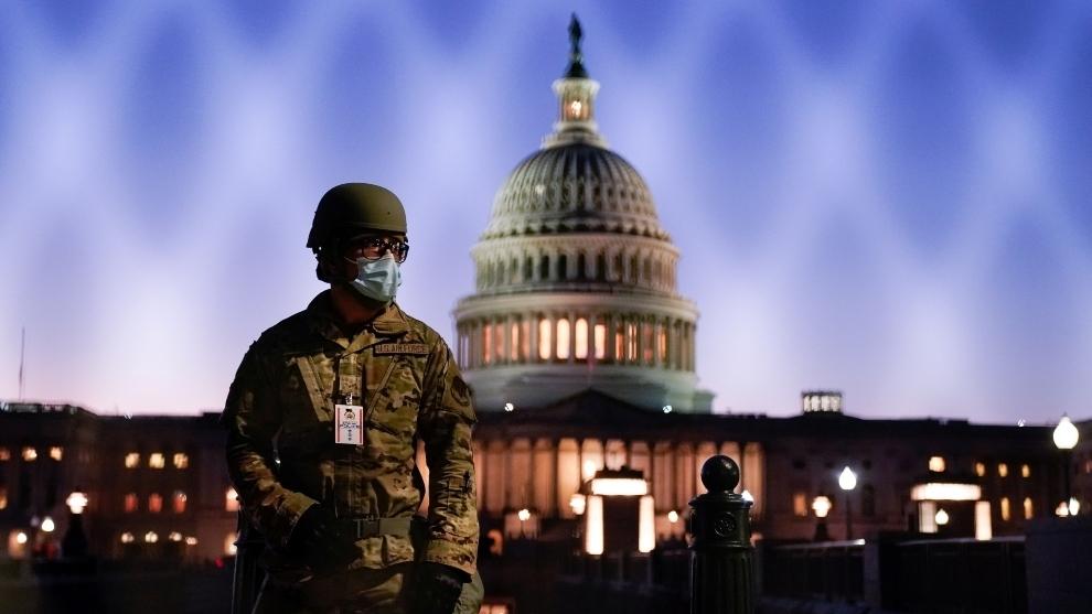 Le FBI met en garde contre des manifestations armées aux États-Unis avant l'inauguration de Biden