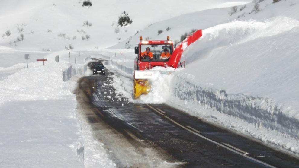¿Aceptaríamos un cierre preventivo de vías por aviso de nevadas?