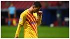 Messi se retira cabizbajo de un partido.