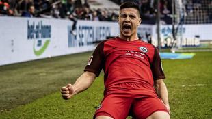 Luka Jovic celebra un gol con el Eintracht
