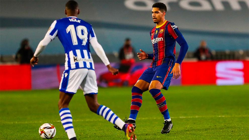 Uno a uno del Barça contra la Real Sociedad: Araujo es un central para años