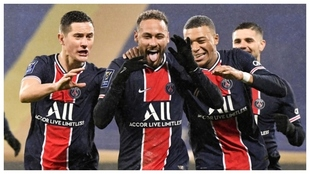 Neymar tuvo doble motivo para festejar.