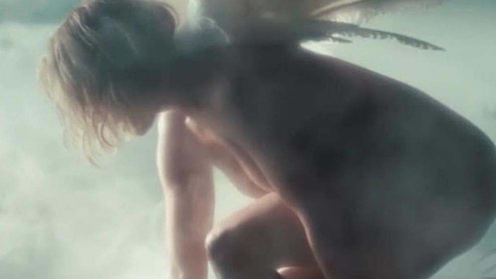 Jennifer Lopez lanza el vídeo de 'In the morning' con el desnudo más angelical de su carrera