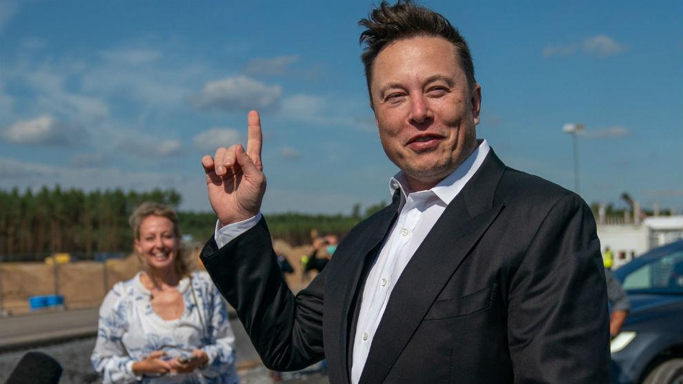El presidente y cofundador de Tesla, Elon Musk, es el hombre más rico del mundo.