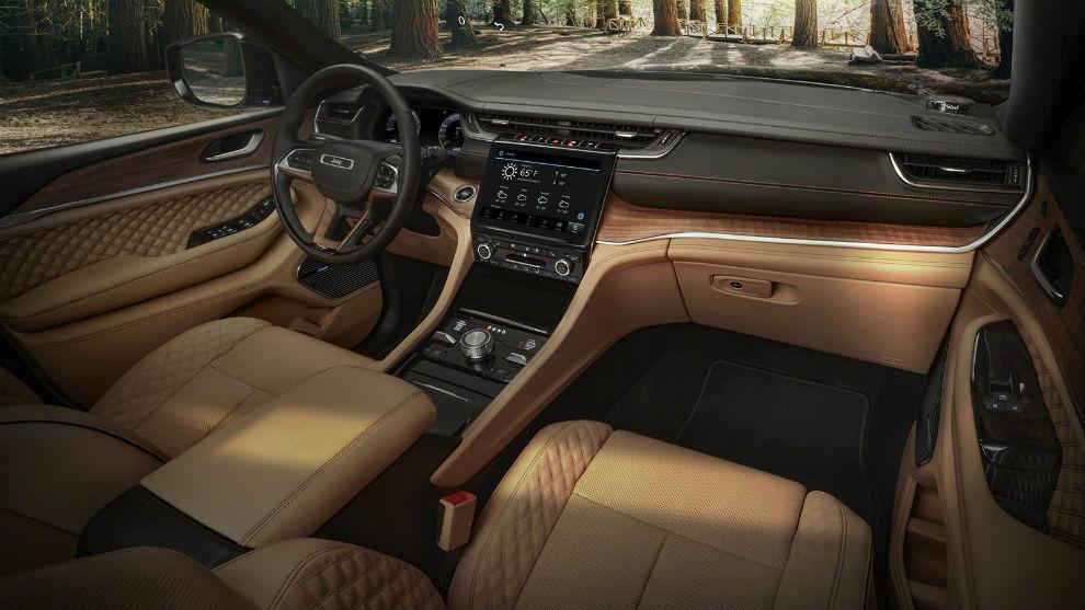 FCA presentó el nuevo Jeep Grand Cherokee L con un interior muy moderno y tecnológico.