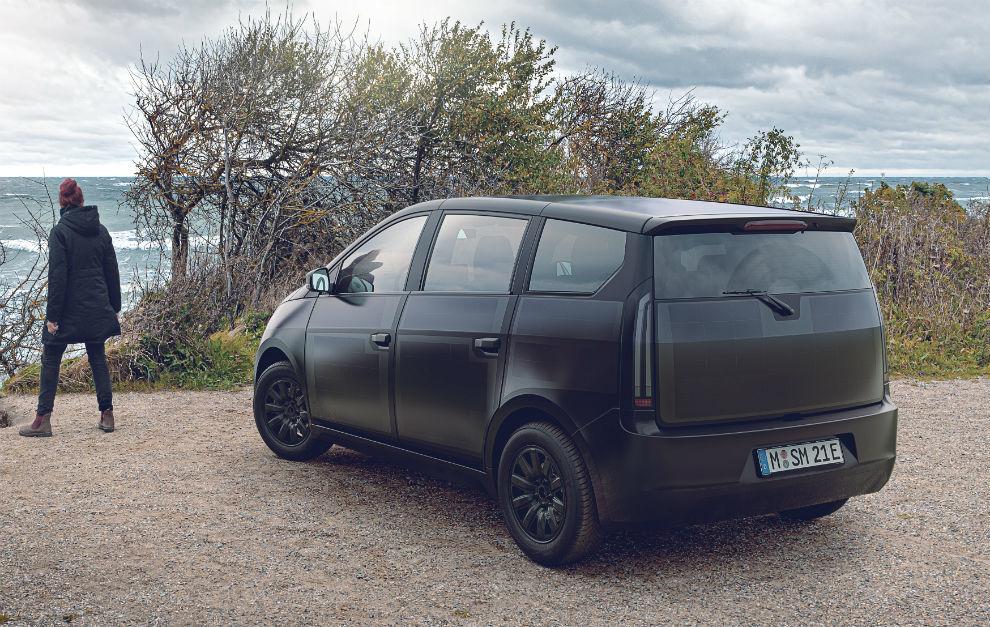 Sono Sion, el coche eléctrico que se carga con energía solar.