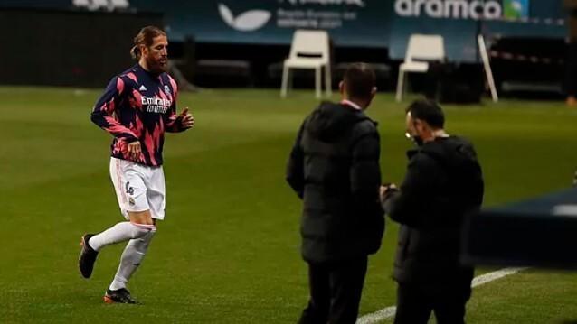 Sergio Ramos warming up