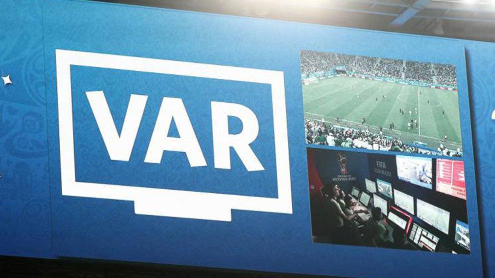 Las imágenes del VAR se proyectarán en los videomarcadores en la final de la Supercopa