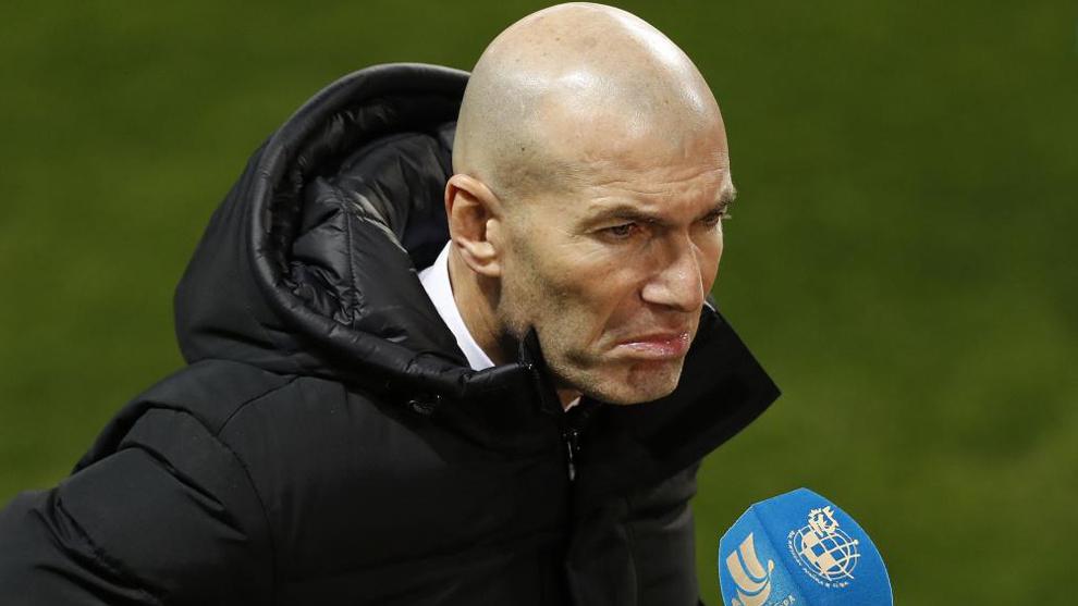 Zidane speaking to the press