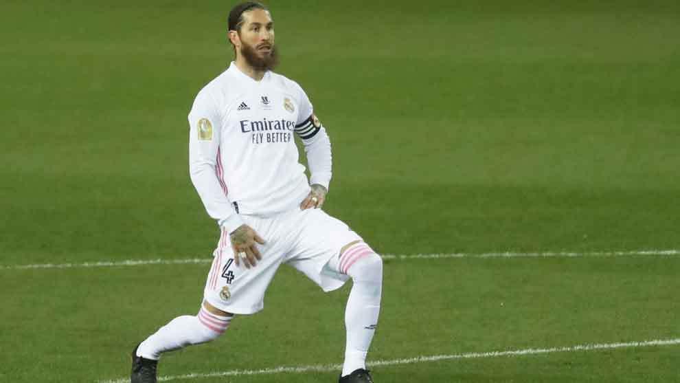 Ramos arriesgó y jugó la Supercopa infiltrado.