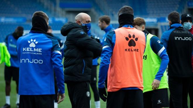 Abelardo, durante un entrenamiento con el Alavés.