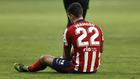 Mario Hermoso se duele del tobillo en el partido frente al Sevilla