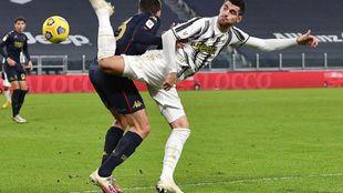 Morata, en una acción con la Juventus.