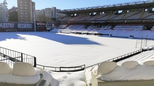 Imagen del estadio de Vallecas nevado