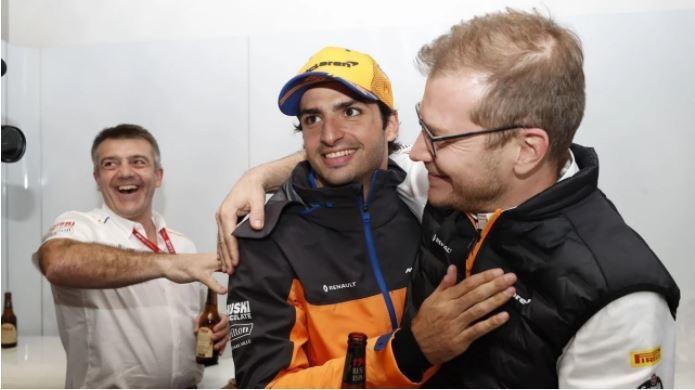 Seidl y Sainz, tras el podio del español en el GP de Brasil 2019.