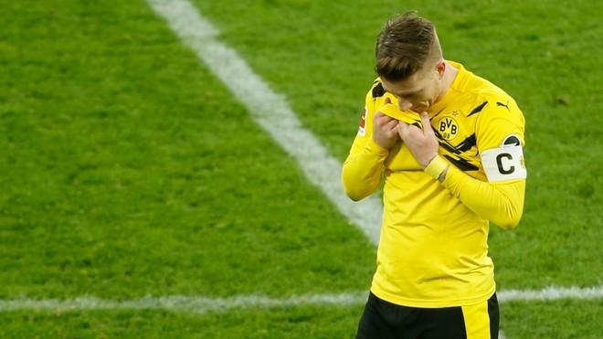 El Dortmund fue sorprendido en la Bundesliga.