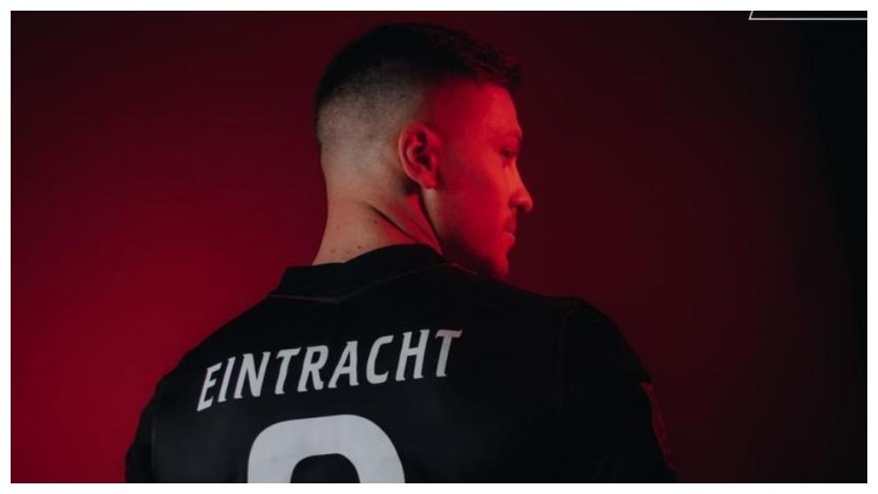 Jovic, en su presentación con el Eintracht