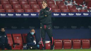 El técnico sevillista Julen Lopetegui, en el partido de Copa ante el...