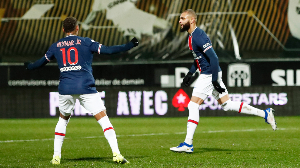 Layvin Kurzawa marcó el único tanto del PSG ante el Angers. |