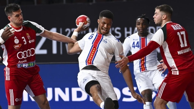 Partido de la primera jornada entre Cabo Verde y Hungría.