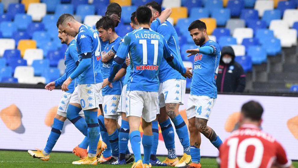 El Nápoles llega reforzado a la Supercopa tras endosar un set a la Fiorentina