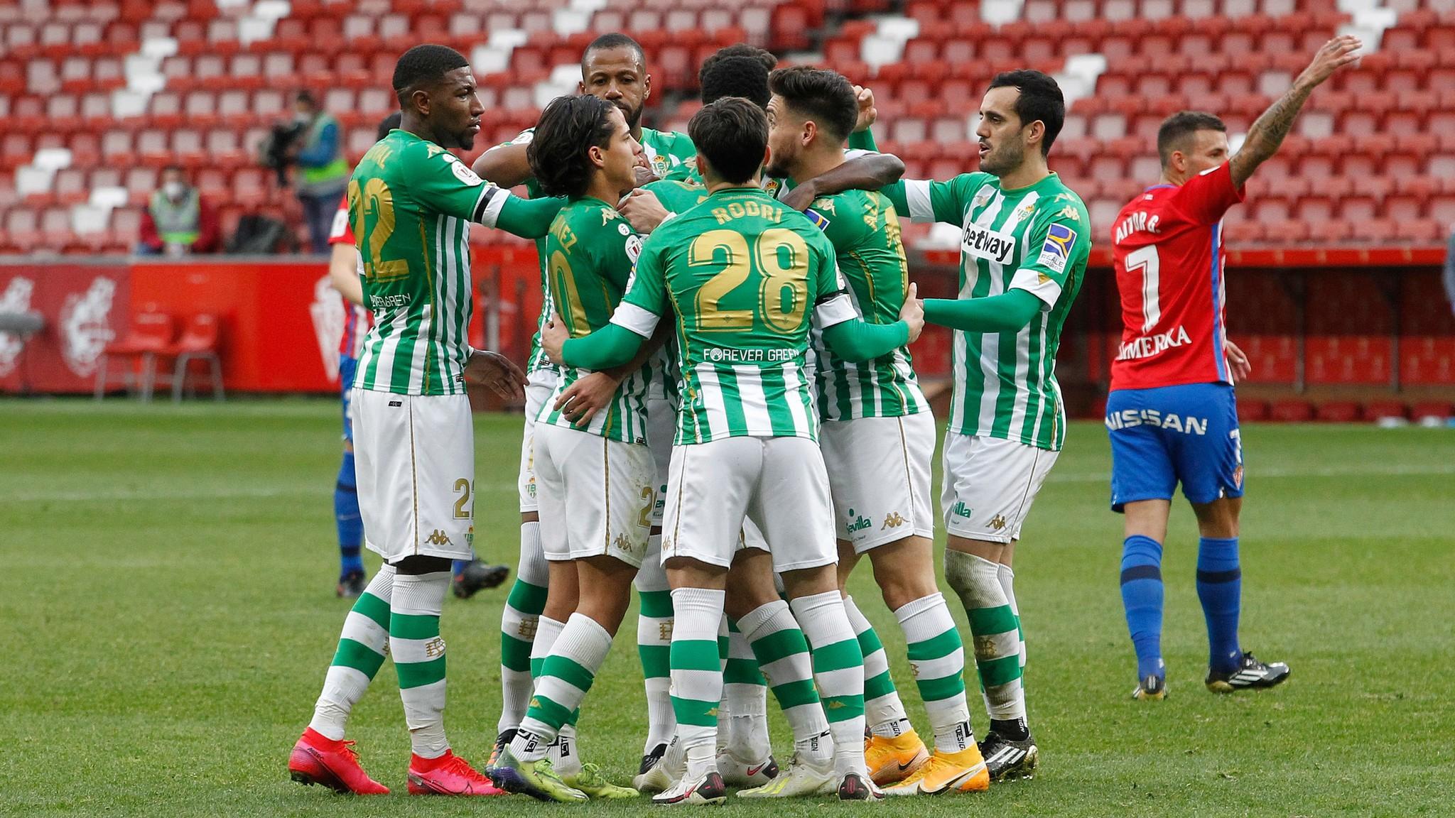 Los jugadores del Betis, celebrando el 0-1
