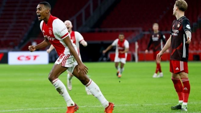 Ajax ganó el clásico de Holanda al derrotar 1-0 al Feyenoord.