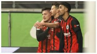 Jovic celebra uno de sus goles con el Eintracht.
