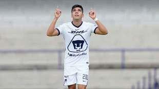 Emanuel Montejano debuta y anota con Pumas ante Mazatlán.