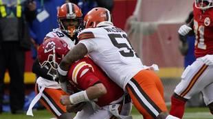 Mahomes sufre conmoción cerebral en el Browns vs Chiefs