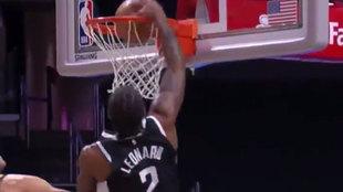 Kawhi Leonard machaca ante los Pacers