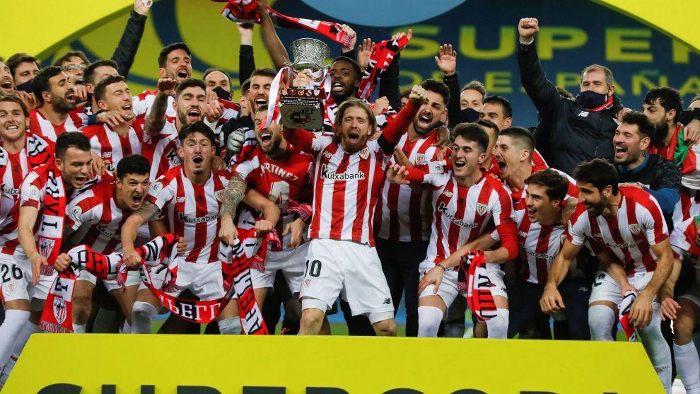 Los jugadores del Athletic celebran la consecución del título.