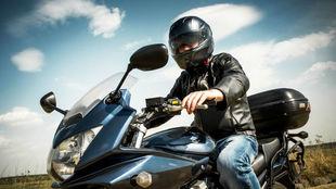 DGT Guantes obligatorios para motos