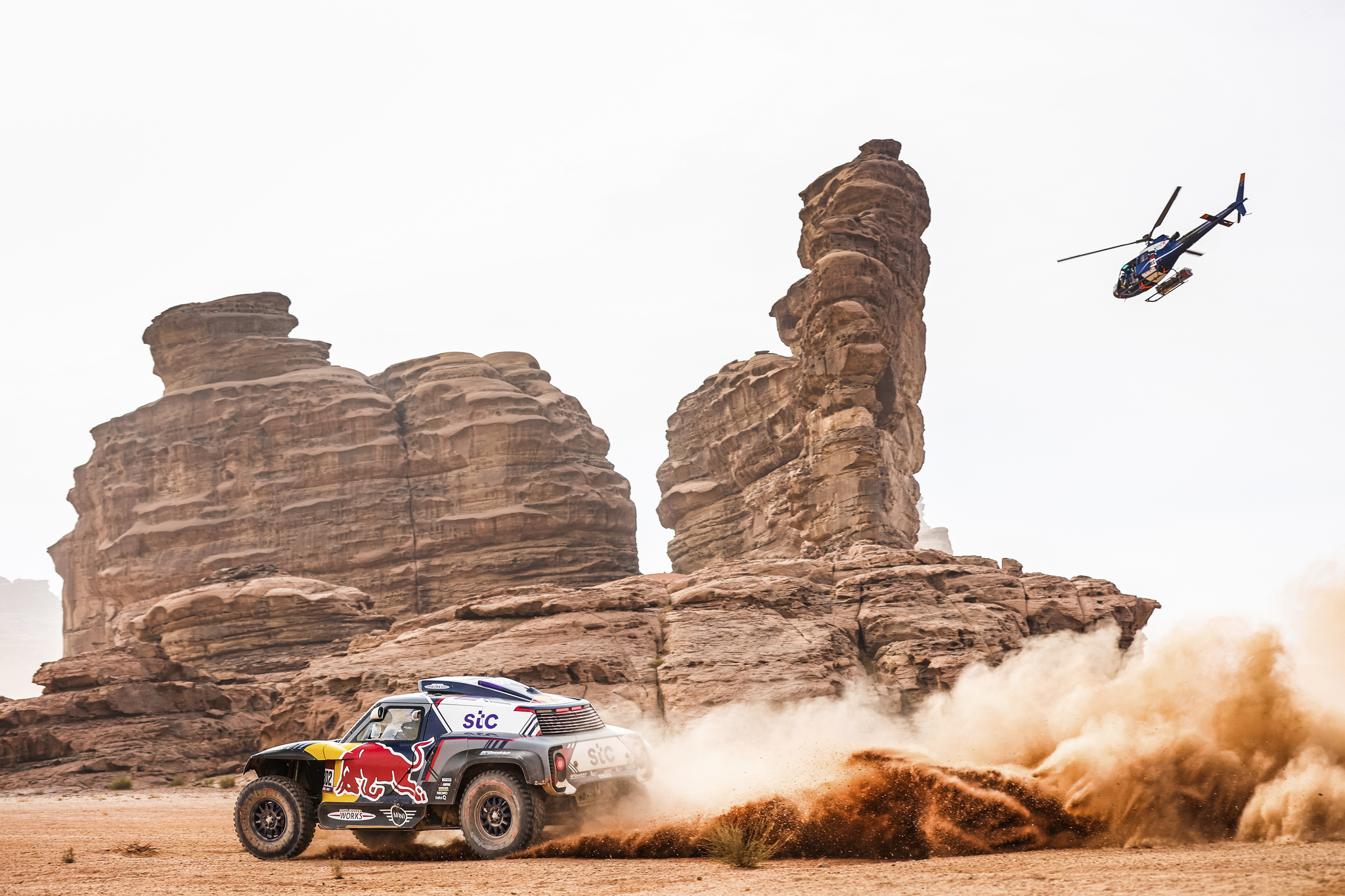 302 lt;HIT gt;Peterhansel lt;/HIT gt; Stephane (fra), Boulanger Edouard (fra), Mini, X-Raid Mini JCQ Team, Auto, action during the 10th stage of the Dakar 2021 between Neom and Al-Ula, in Saudi Arabia on January 13, 2021 - Photo Antonin Vincent / DPPI