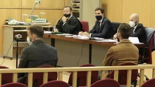 Sergi Enrich y Antonio Luna, durante el juicio.